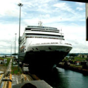 2_Panama_Canal_Miraflores_Locks